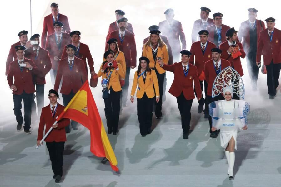 Costumes et cravates... Les Espagnols ont-ils bien compris pourquoi ils étaient là ?