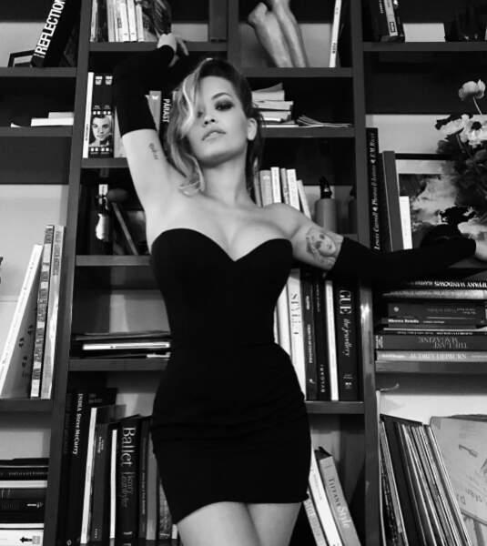 Rita Ora façon pin-up. Ça le fait, non ?