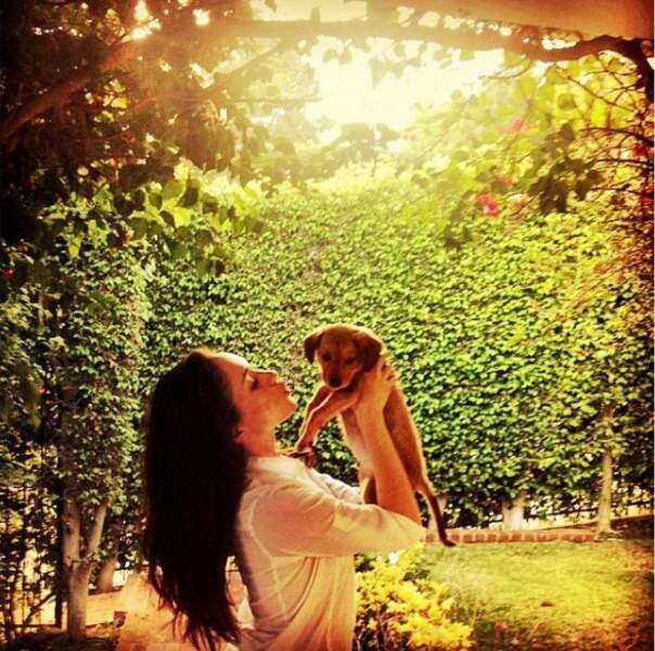 """Elle ne manque pas de rappeler """"d'adopter, et pas d'acheter"""" les animaux de compagnie"""