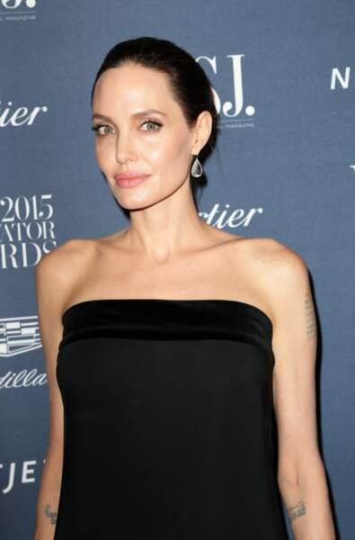 Visage creusé, os saillants, Angelina Jolie ne pèserait plus que 35 kilos