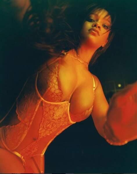 Rihanna a dévoilé sa poitrine fénéreuse