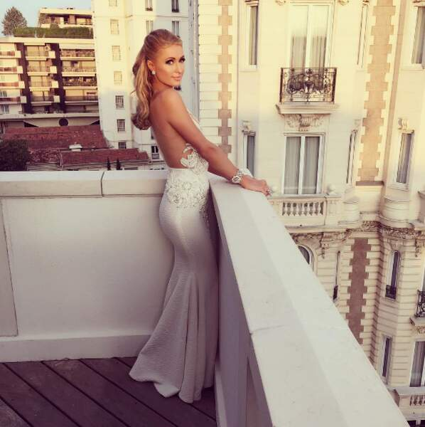 Paris Hilton ne se lasse pas de la vue de son balcon