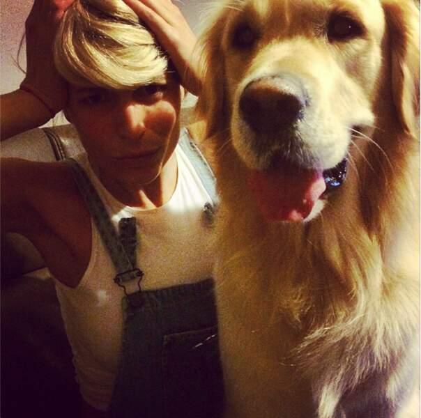 Tel maître, tel chien : l'ancienne Miss, en blonde, ressemble beaucoup à son golden retriever