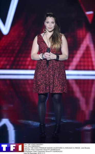 """Personne ne peut battre Julie Morales quand elle interprète """"Chanter"""" de Florent Pagny !"""