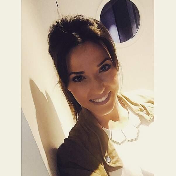Capucine Anav a toujours le sourire : et ça fait plaisir.