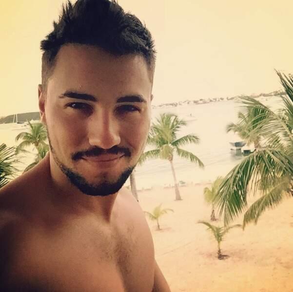 Avant de retourner à l'hôtel, dernier selfie pour ses fans