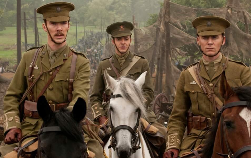 Un peu serré le chapeau non ? Dans Cheval de guerre (2011)