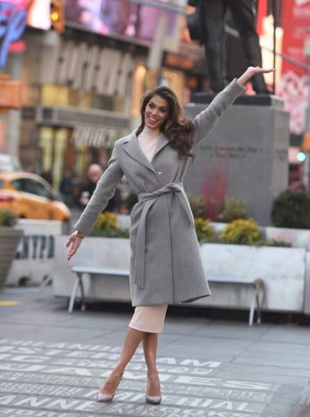Pour conquérir New York, Miss Univers laisse tomber l'écharpe