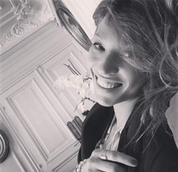 En tout cas, on adore quand Laura Smet sourit.