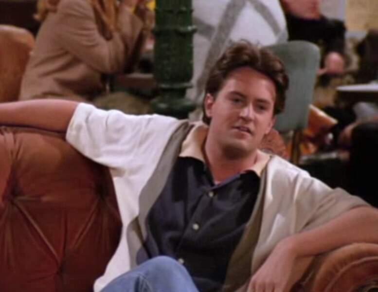 Chandler Bing (Matthew Perry) dans l'épisode pilote de Friends.