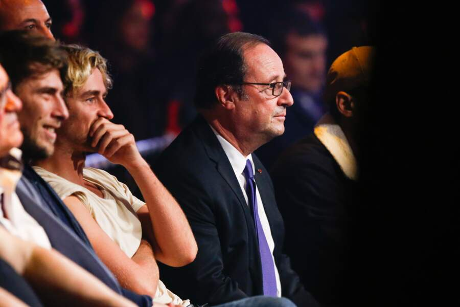 Parmi les autres invités prestigieux, François Hollande, particulièrement attentif