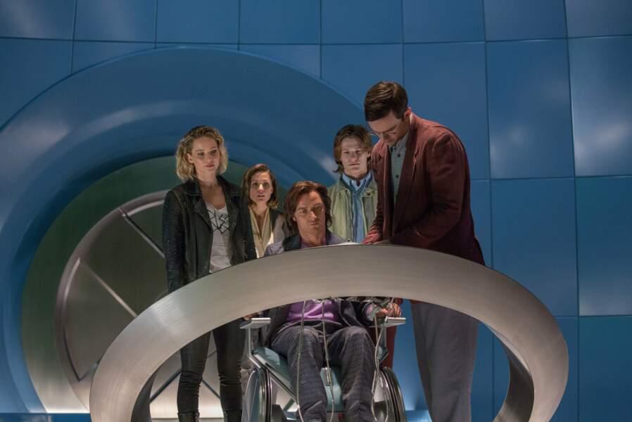 Charles Xavier (James McAvoy) et ses mutants dans X-Men : Apocalypse (18/05)
