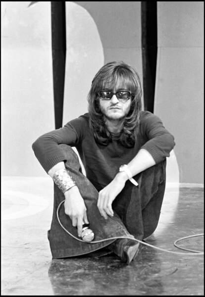 En 1970, il tente le brushing lisse...