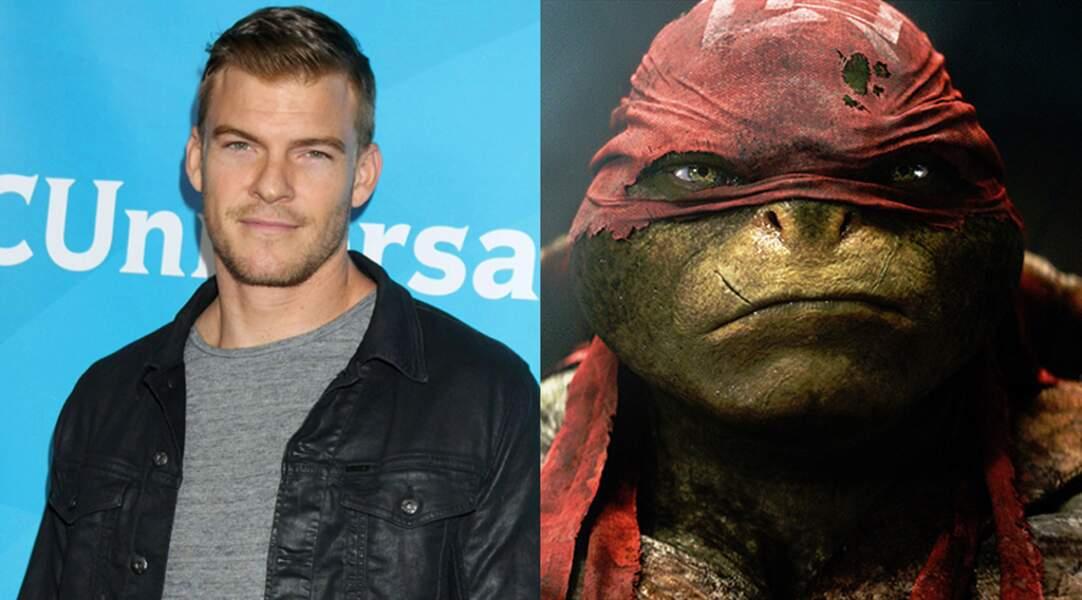 Alan Ritchson alias Raphael dans Ninja Turtles (2014) de J. Liebesman
