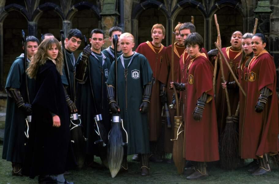 """Le célèbre Quidditch, le """"foot sur balais volants"""" !"""