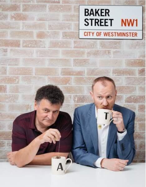 Petite pause café à l'angle de Baker Street pour les acteurs de la série