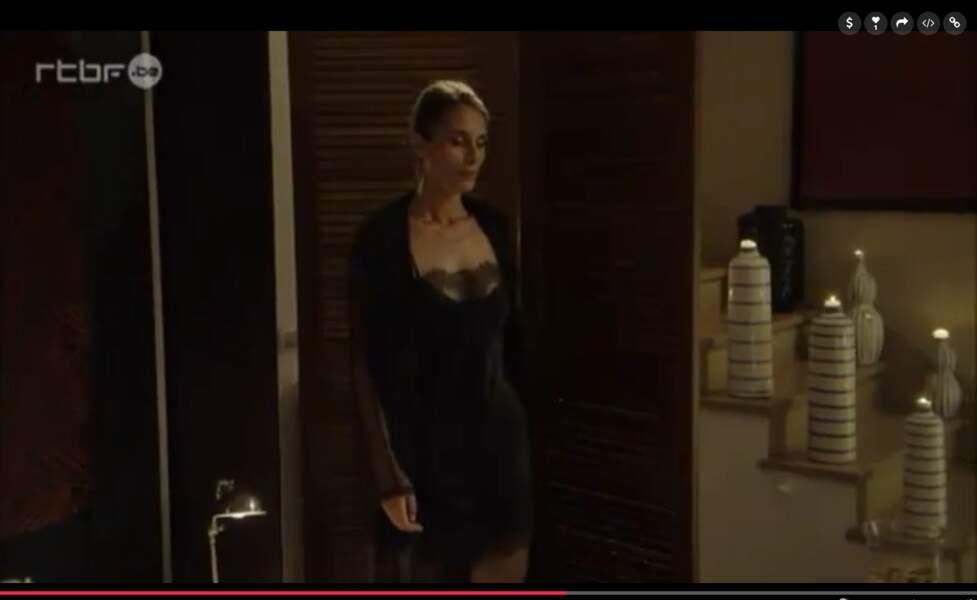Mais Caroline débarque pour faire une surprise à Guillaume