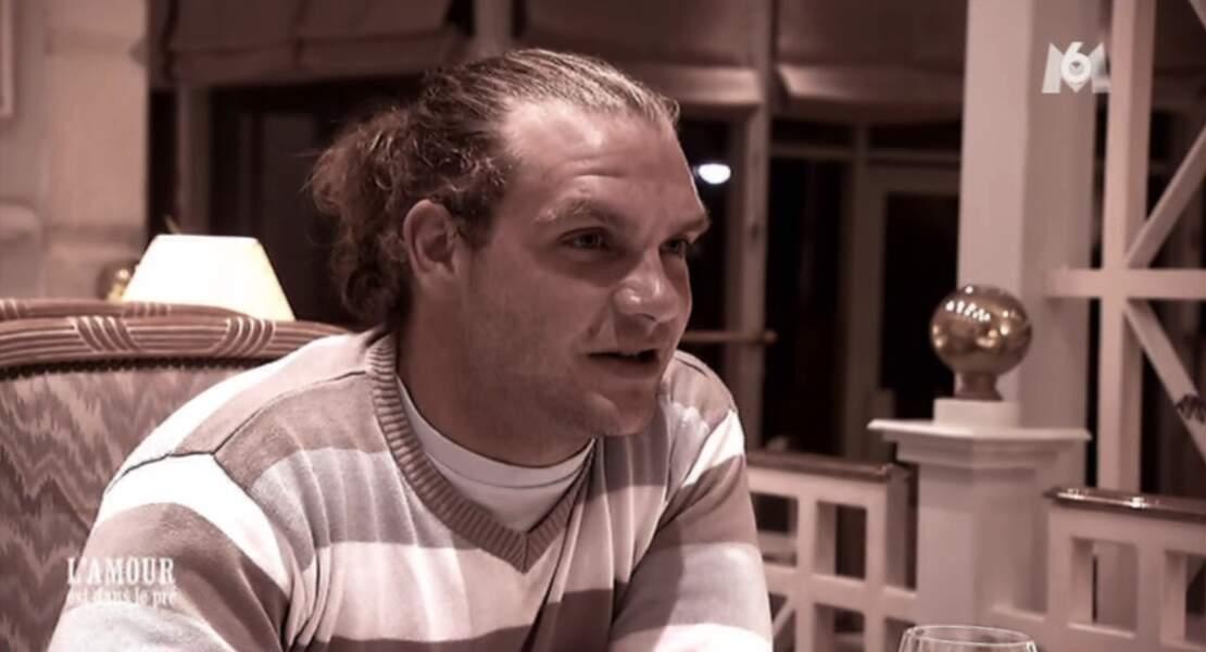 Révolution capillaire également pour Fabien, qui arborait les cheveux longs dans l'émission...