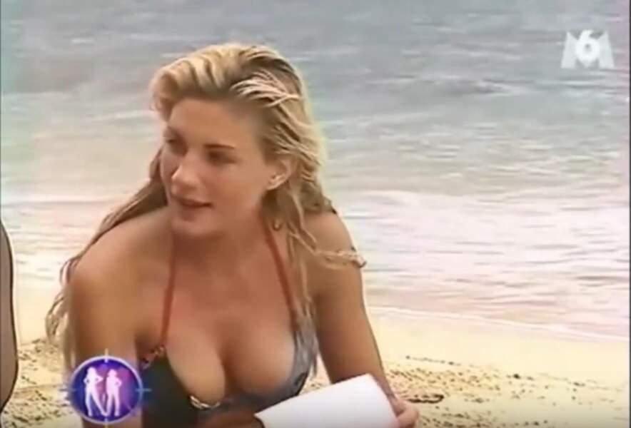 Mais qui peut bien être cette jolie blonde qui a passé son été 2002 en bikini ?