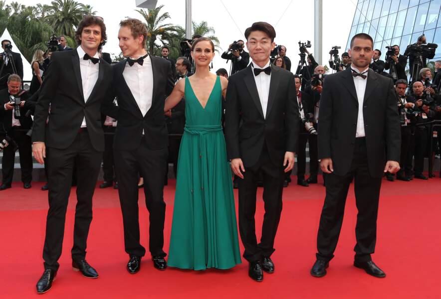 """Natalie Portman bien entourée pour la première du film policier """"Sicario"""""""