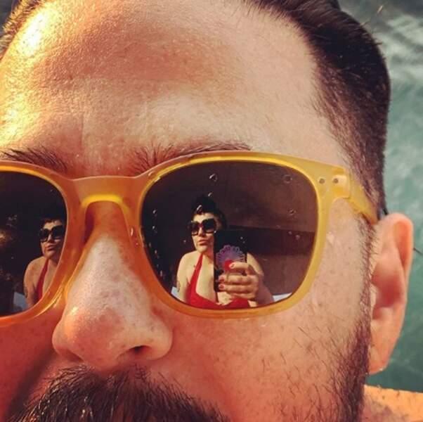 Oh mais qui voilà ? C'est Beth Ditto, dans les lunettes de son chéri Teddy à Monterrey.