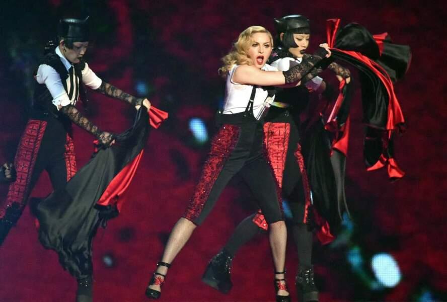 Et on termine par la seule, l'unique, celle qui s'est relevée : Madonna !