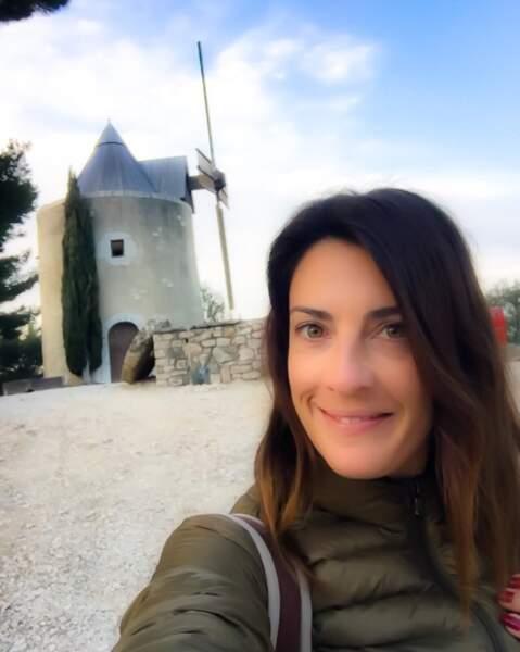 """Eve Angeli fait aussi des selfies """"sans maquillage""""... tout en appliquant un filtre assez peu discret"""