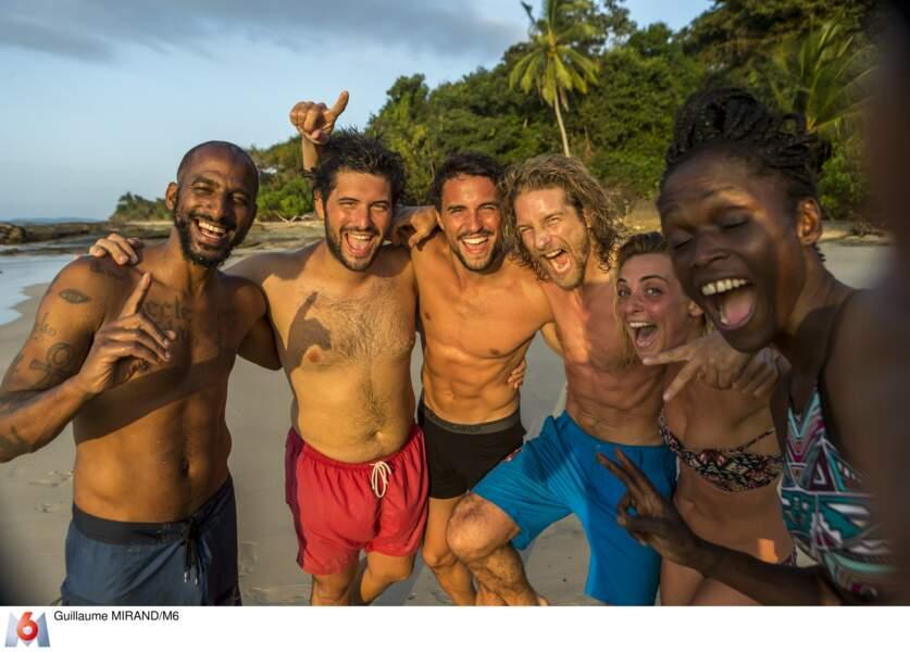 Les célébrités de The Island encore tout sourire en début d'aventure certainement !