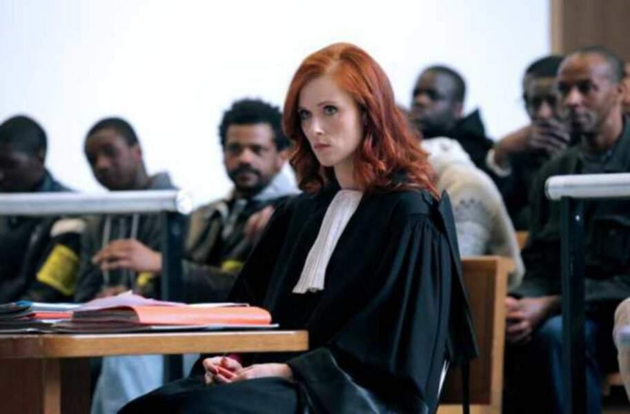 Engrenages (Série - depuis 2005) : elle enfile la robe de l'avocate Joséphine Karlsson