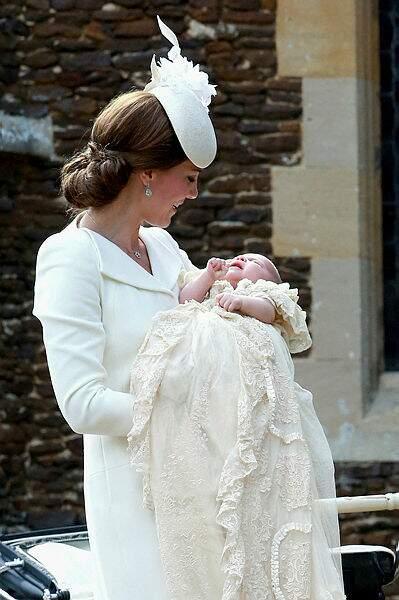 En juillet 2015, la petite Charlotte succède à son grand frère