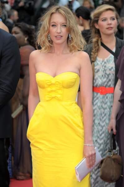 Idée à piquer à Ludivine Sagnier pour vous faire remarquer sur le red carpet : la robe jaune citron.