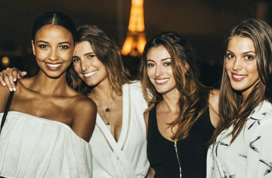 D'ailleurs, elle est toujours très proche de ses copines Miss France.