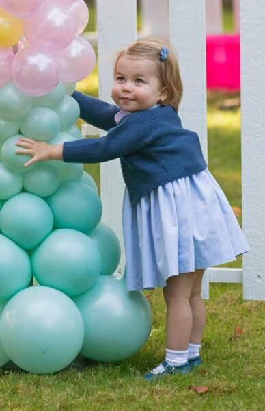 Maman, regarde y a plein de zolis ballons!