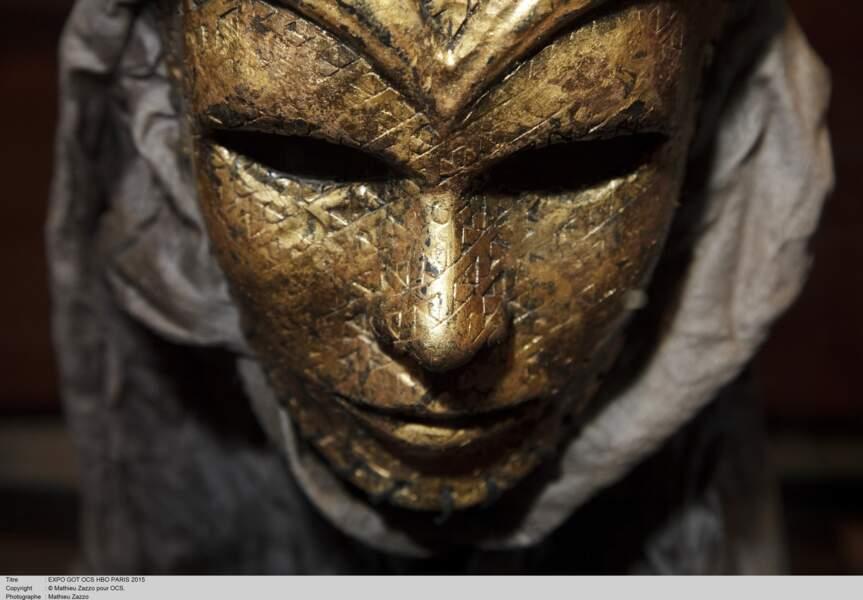Un masque des fils de la Harpie