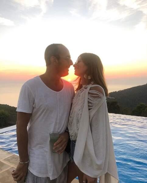 Tout aussi cute : Laurie Marquet a posé avec sa moitié à Ibiza.