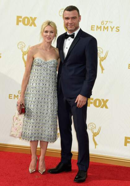 Naomi Watts très mal fagotée au côté de son compagnon Liev Schreiber (Ray Donovan)