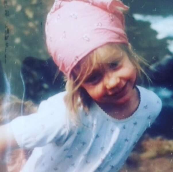 Qui est cette adorable petite fille ? C'est l'actrice Adèle Exarchopoulos.