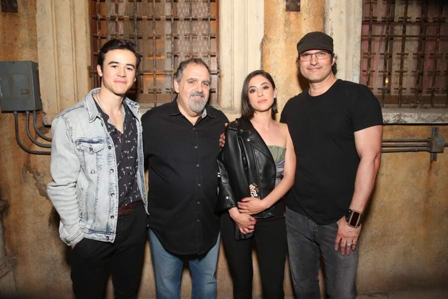 Rosa Salazar, Keean Johnson, le producteur Jon Landau et Robert Rodriguez.