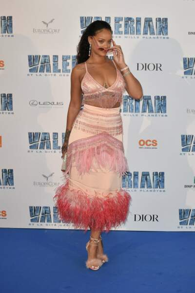 Rihanna, très star avec ses lunettes de soleil