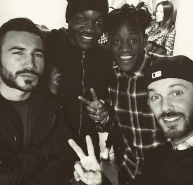 Matt Pokora avec 3 joueurs de l'Olympique de Marseille : Mandanda, Batshuayi et Alessandrini
