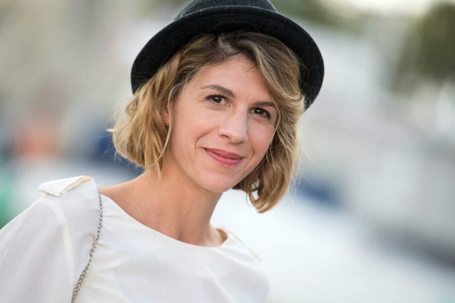 Juliette Tresanini sous son chapeau noir