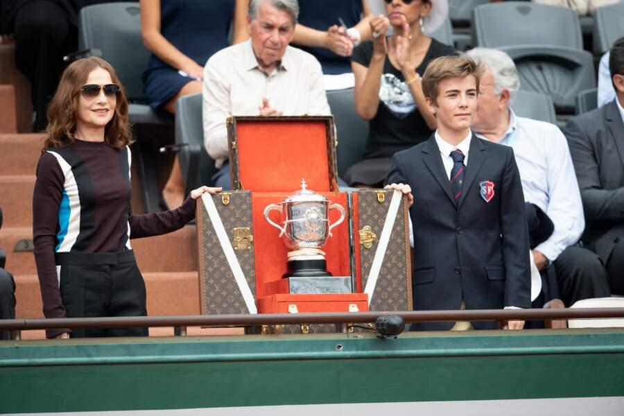 Isabelle Huppert, qui a présenté la Coupe Suzanne Lenglen