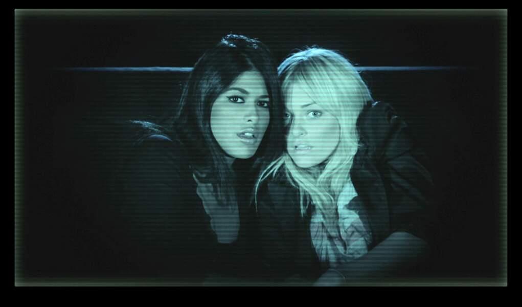 Attention, Ayem et Caroline d'Hollywood Girls vous regardent...