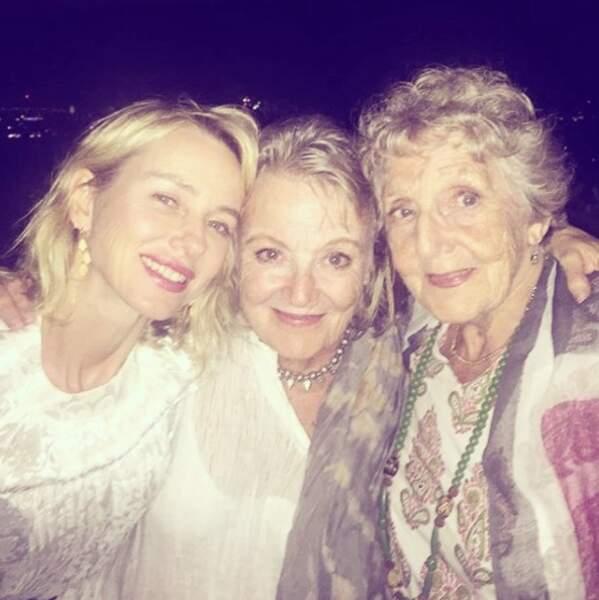 L'actrice est aussi très proche de sa mère et de sa grand-mère