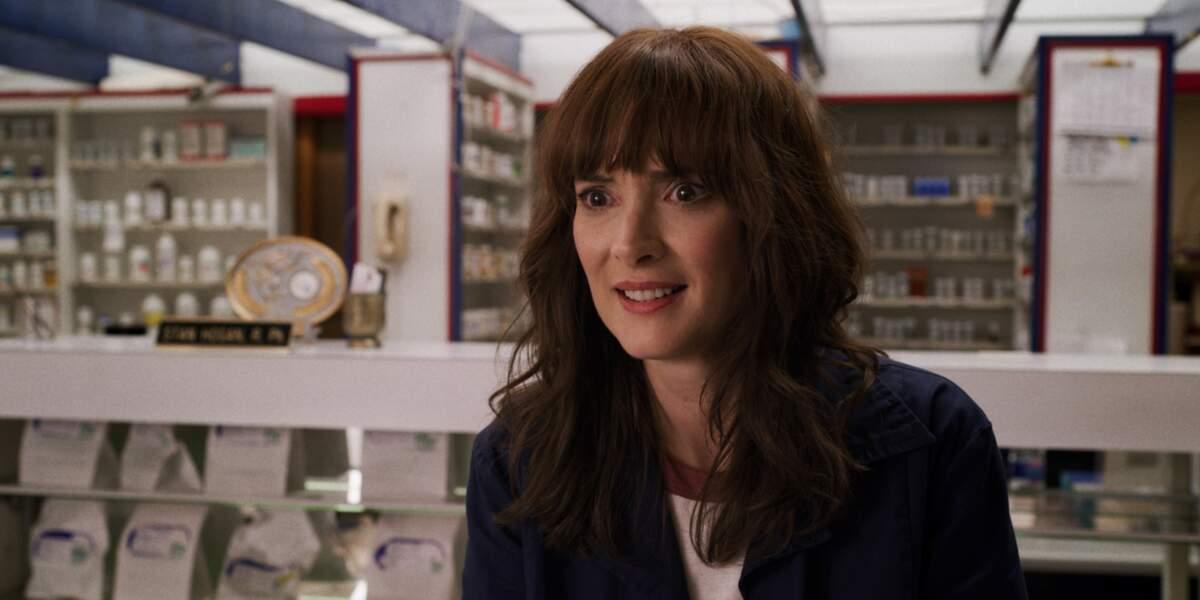 Joyce Byers (Winona Ryder)