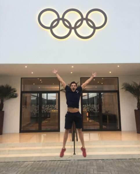 Après la natation, Florent Manaudou voudrait changer de sport. On lui conseille le saut en hauteur !