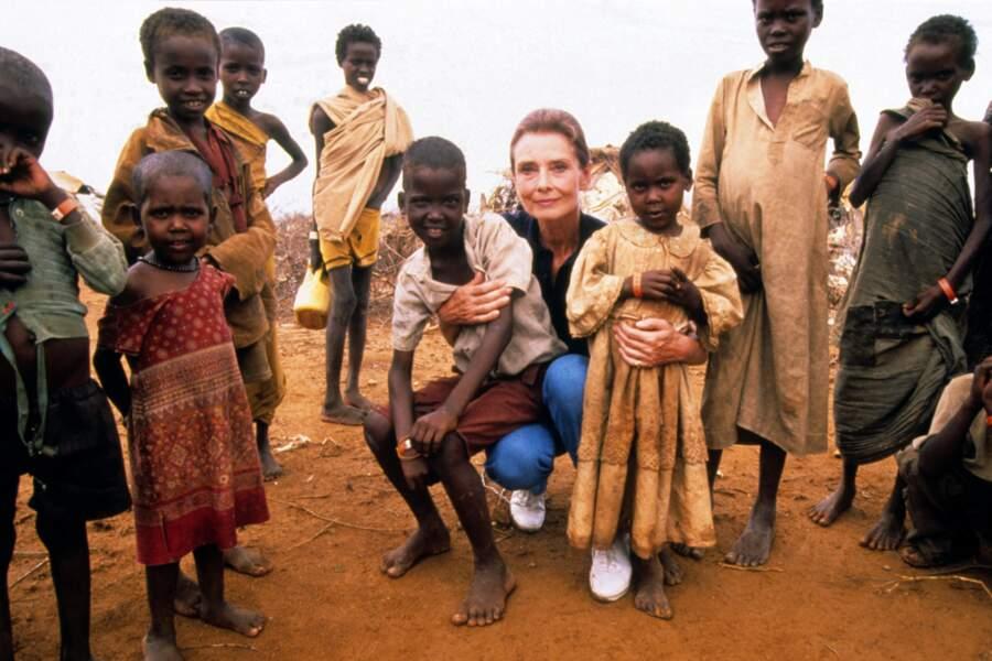 Audrey fit une cinquantaine de voyages pour l'Unicef en Afrique et en Amérique du Sud
