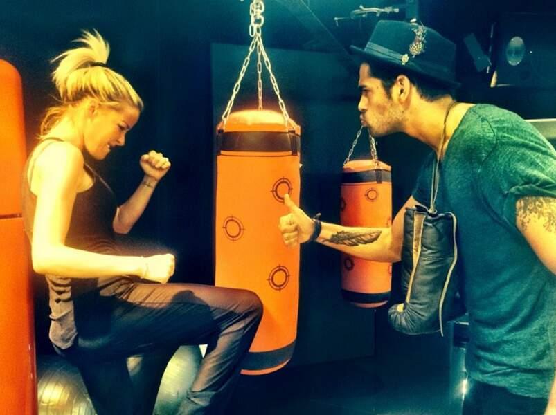 ... qui s'entraîne donc pour un combat de boxe !
