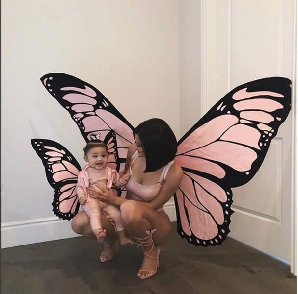 tandis que Kylie Jenner et Stormi sont au royaume des papillons