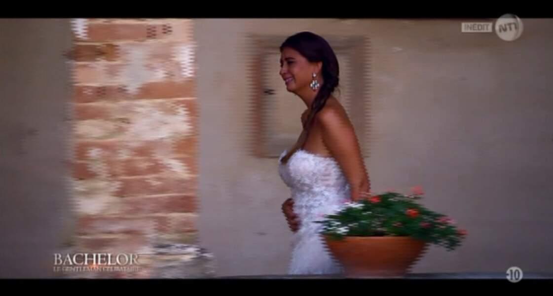 """Dans la catégorie """"blanc virginal"""" : Martika, tout juste éconduite par le Bachelor dans sa """"robe de mariée""""..."""